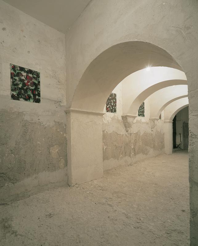 Veduta della mostra Senza titolo, Fondazione Volume!, 2002.