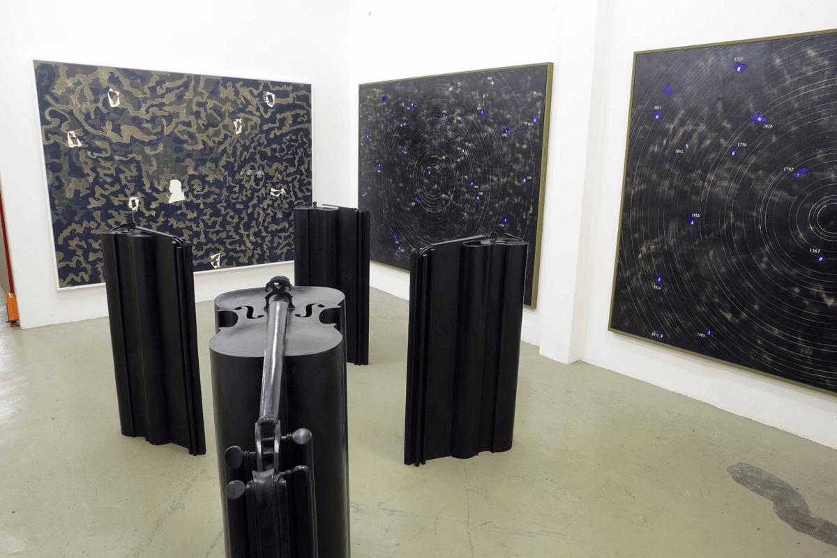 Veduta della mostra <i>Giuseppe Gallo. Symphonie en trois mouvements</i>. 30 maggio - 12 luglio 2008. Galerie Di Meo, Parigi.