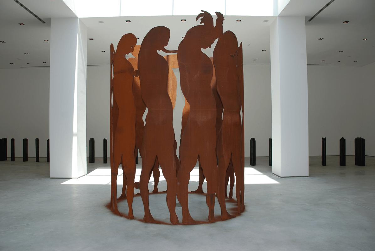 <i>Punto fermo</i>, 2010. Corten steel, h. 4 m. Ph. Carlo Rocchi Bilancini