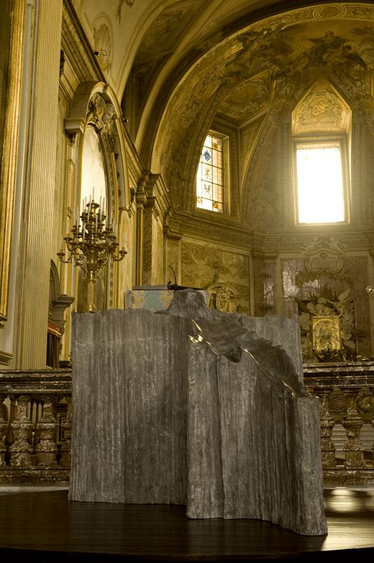 <i>Cristo montagna</i>, 2006. Bronze, 119 x 138 x 160 cm