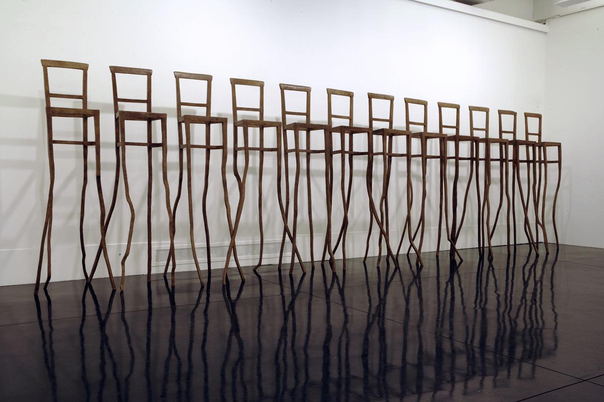 Eroi, 2006. Bronzo, dimensioni varie. Installazione di 12 elementi. Macro, Roma. foto di Schiavinotto.
