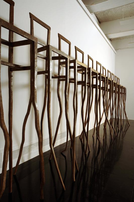 Dettaglio Eroi, 2006. Bronzo, dimensioni varie. Installazione di 12 elementi. Macro, Roma. foto di Schiavinotto.
