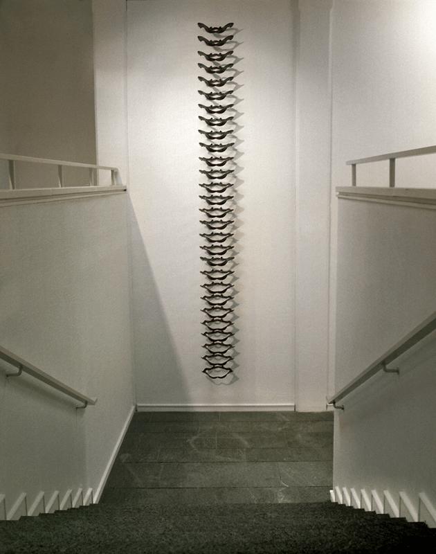 Femmina atroce, 2004. Bronzo, dimensioni varie. Kunsthalle Mannheim. Foto Celestino.