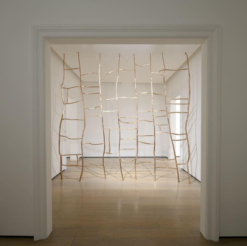 <i>Quinto quarto</i>, 2017. Bronze, 290 x  390 cm. Ph. Studio Vandrasch, Milan