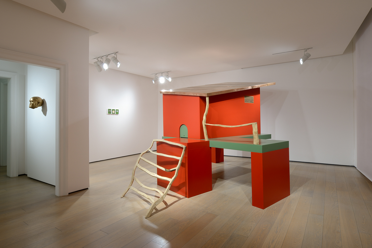Galleria n.5, 2017. Wood, copper and varnish, 250 cm h. Ph. Studio Vandrasch, Milan